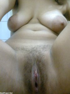Hot Pakistani Babe Nude