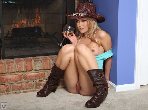 o6sa6bzt4tx2 t Kate Hudson Nude In Cowboy Dress Showing Pussy Fake