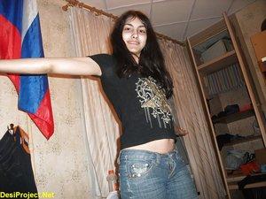 Paki Girl Shows Nude In Russia