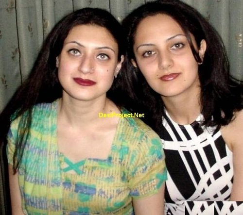 Hot Pakistani MILF Naked