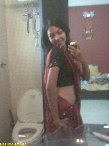 Desi GirlFriend in Saree