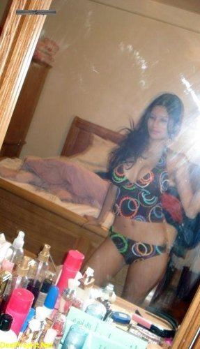 Karachi Hot MILF Naked