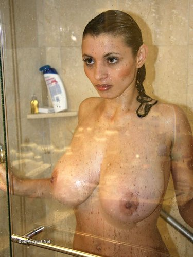 Desi NRI Girls Nude Bath And Showing Big Boobs