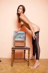http://img51.imageporter.com/i/02941/604144lr2sie_t.jpg